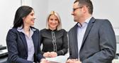 Dr. Christina Alexa Bongartz und Dr. Ralf Els mit Sarah Kohn (Büroleitung)
